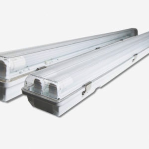 Réglette étanche 2 TUBES LED 60 CM IP65 IK08 ARON LIGHT ILAR-00261 WATERPROOF BATTEN IP 65 IK8 Réglette étanche pour T8 DOUBLE SIMPLE IP65 IK08 60CM 120CM 150CM Polycarbonate Batten with IP65 protection for T8 Tube installation and various sizes with Inox Clips 60 CM 120 CM 150 CM